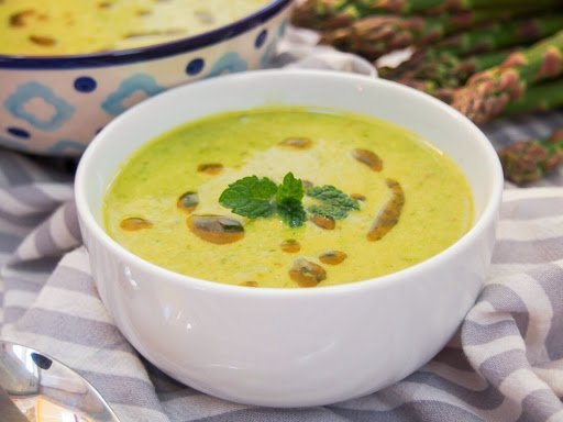 Konopna zupa jarzynowa